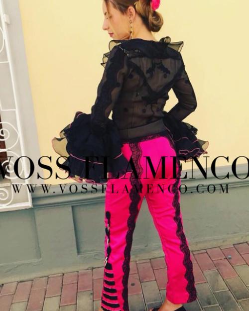 pantalón y camisa flamenca