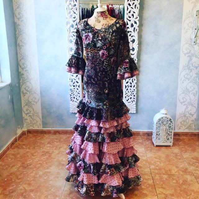vestido ensayo y espectáculo flamenco mucho vuelo