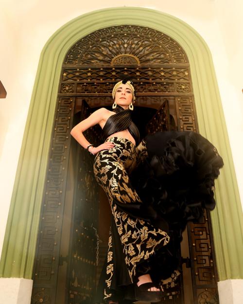 falda ensayo y espectáculo flamenco